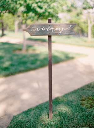 wedding-calligraphy-wooden-signs1