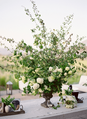 white-wedding-urn-centerpiece1