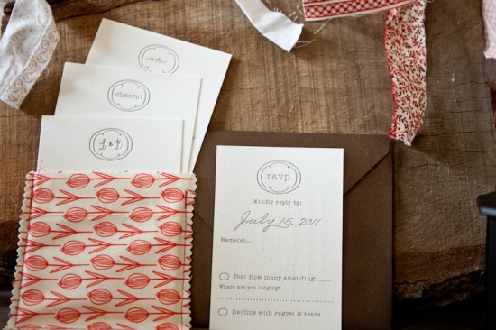 Country-Elegance-Fabric-Pocket-Wedding-Invitations8-550x366