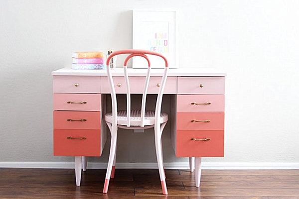 wonderful-pink-ombre-desk