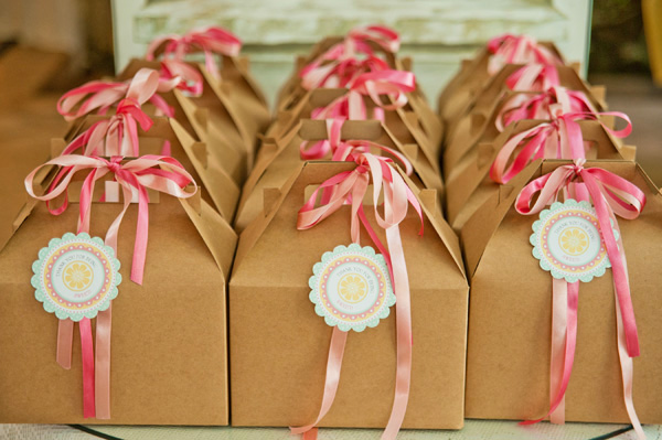 pink-lemonade-birthday-party-favors-and-tags